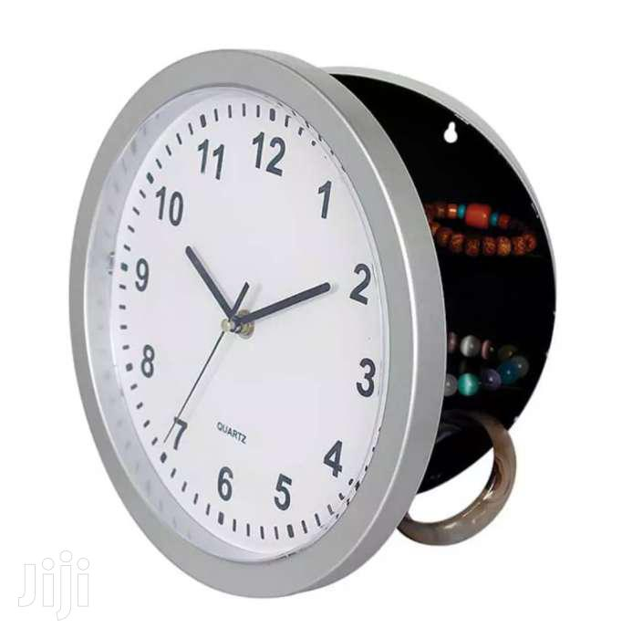 Hiding Wall Clocks