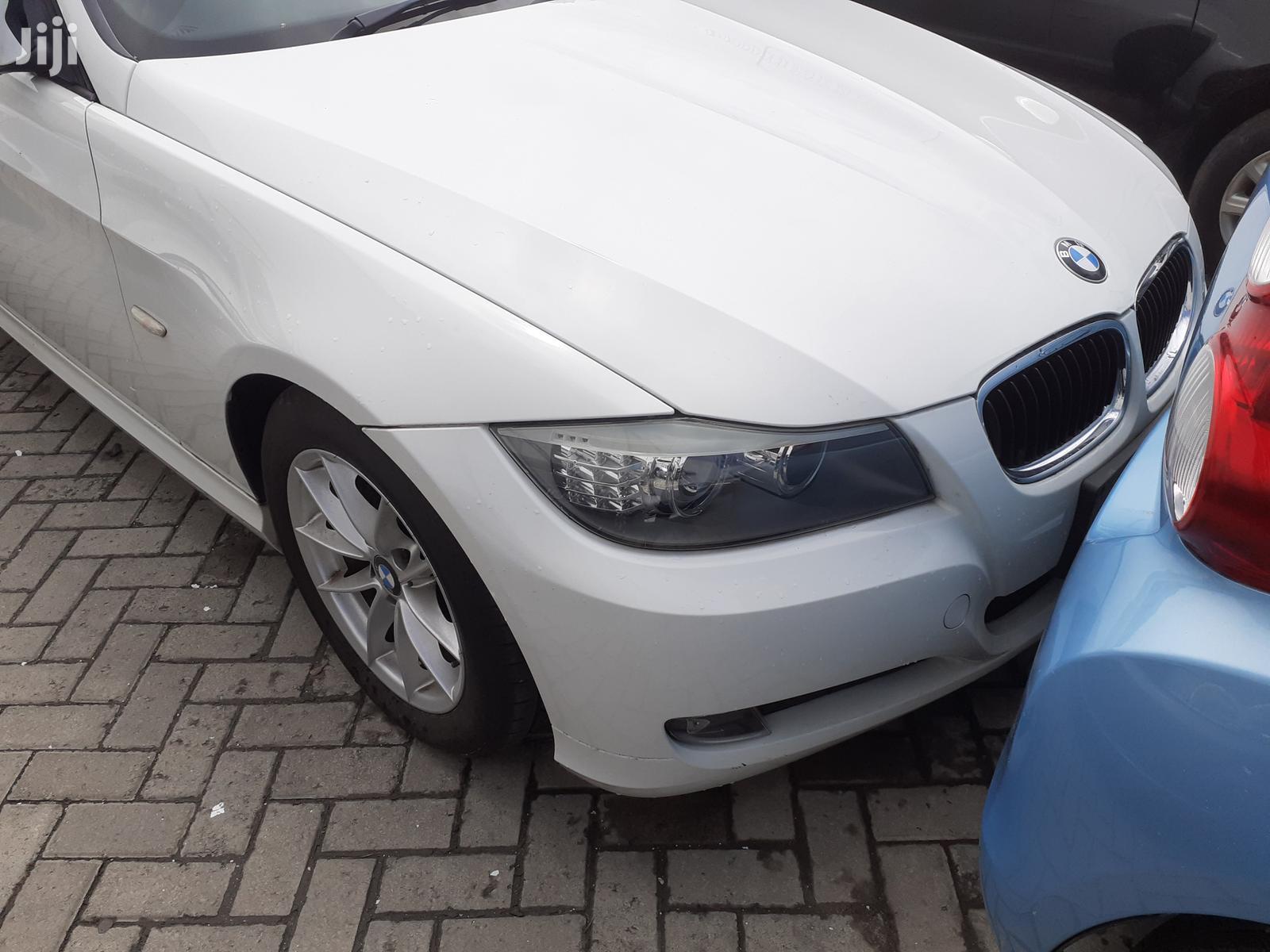 New BMW 320i 2012 White