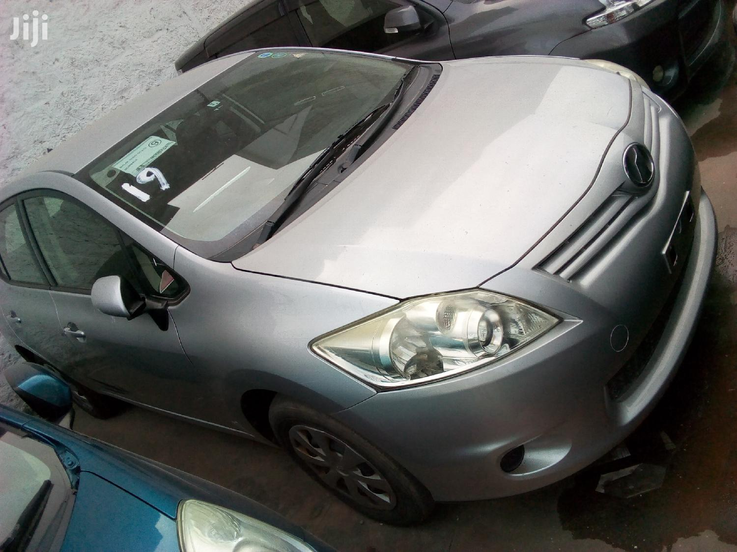 Archive: Toyota Auris 2012 Silver