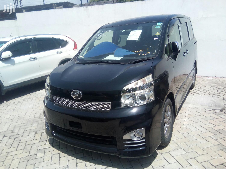 Toyota Voxy 2012 Black