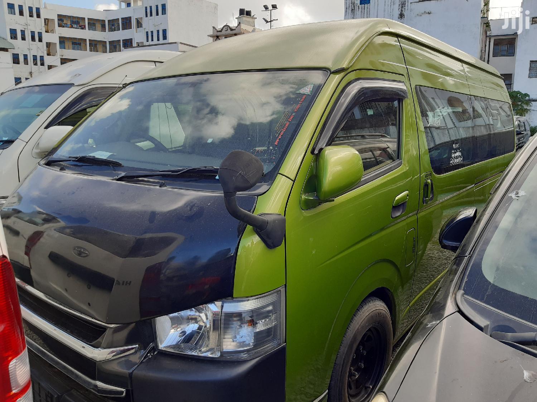 Toyota HiAce 2012 Green