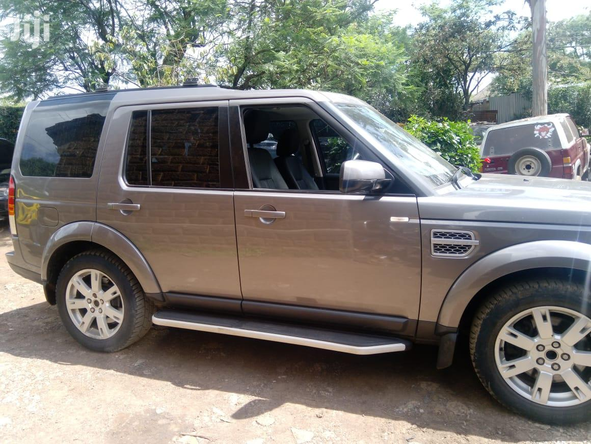Archive: Land Rover Discovery II 2011 Gray