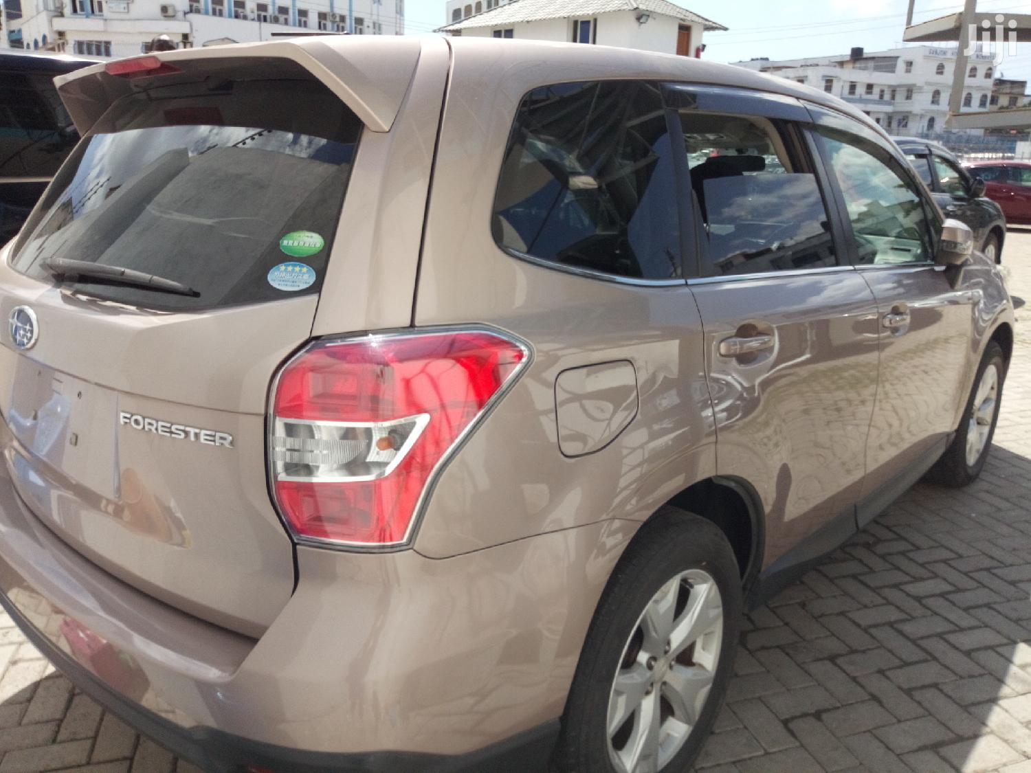 Subaru Forester 2013 Gold