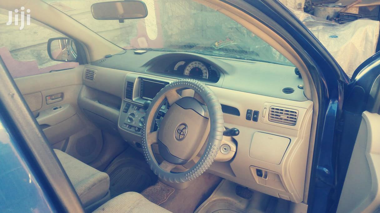 Archive: Toyota Raum 2005 Blue