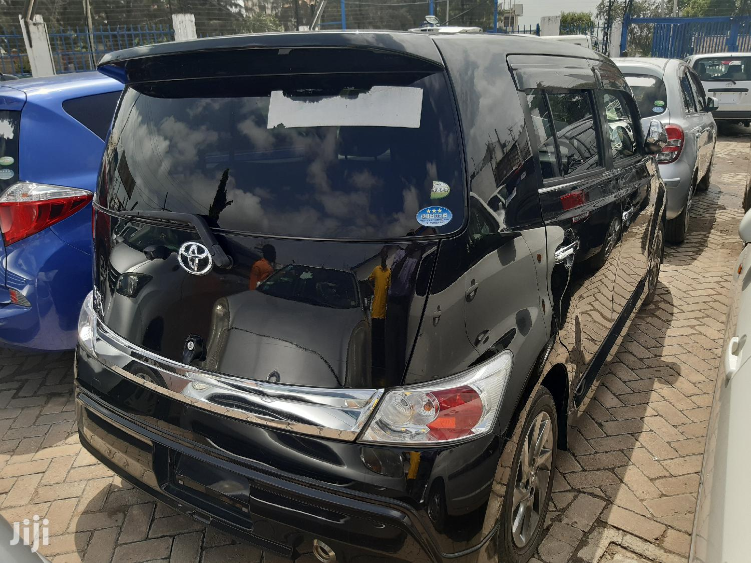 Archive: Toyota bB 2012 Blue