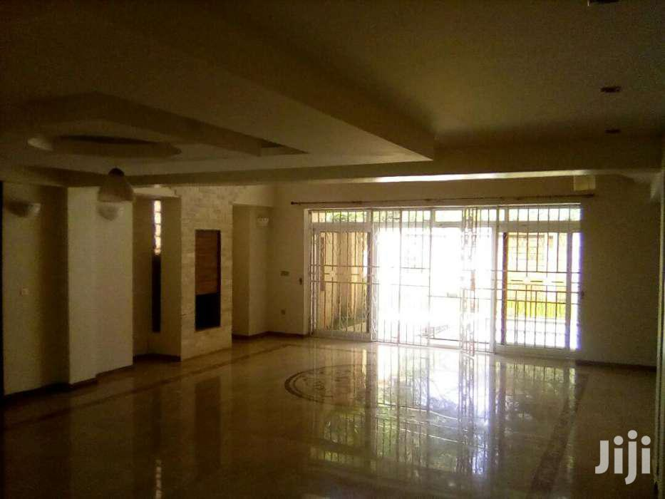 Archive: MODERN Villa With Private Swimming Pool And Dsq To Let.
