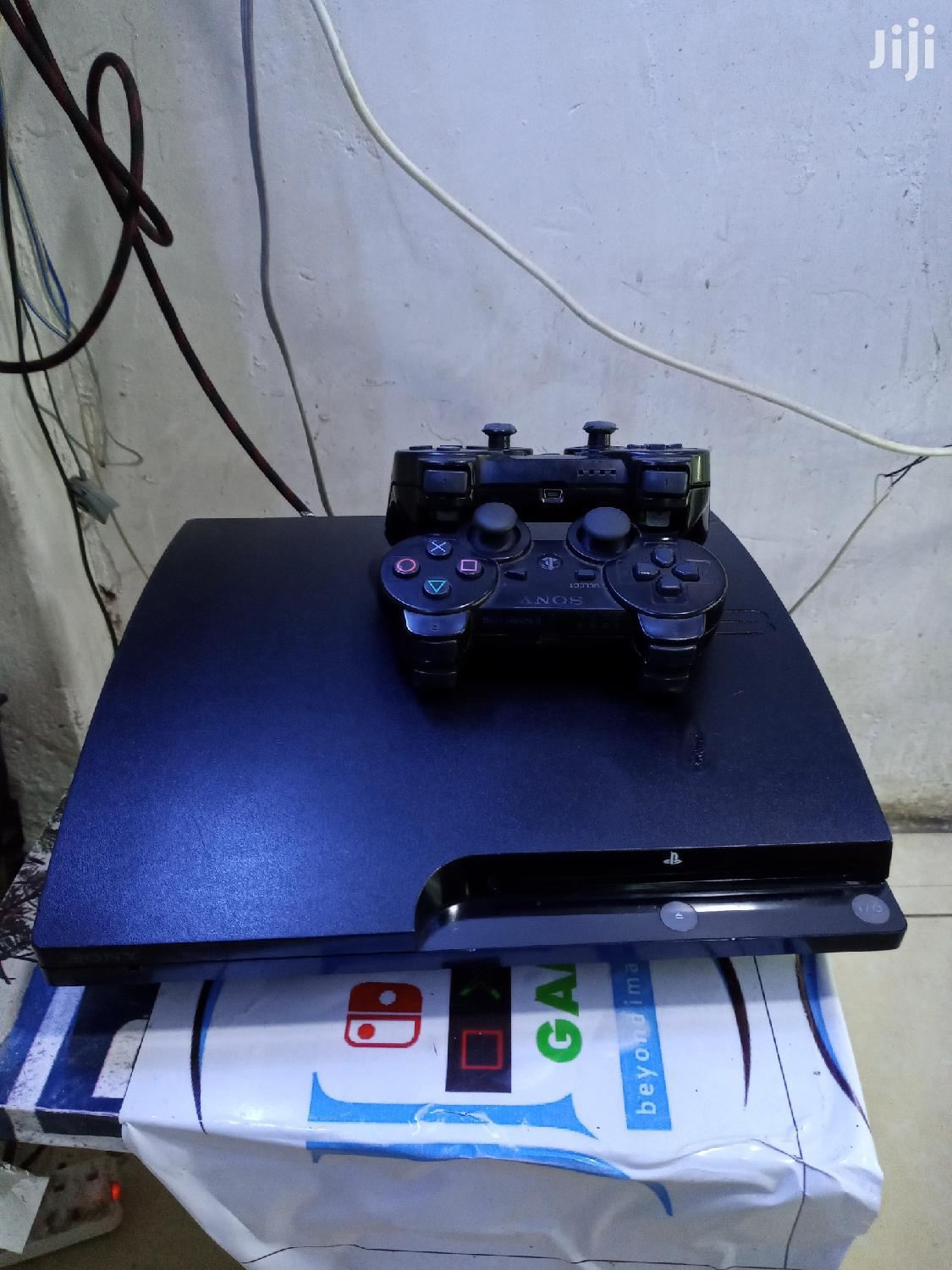 Almost New Ps3 Console With 2 Controllers Chiped With 5 Games,,,500GB