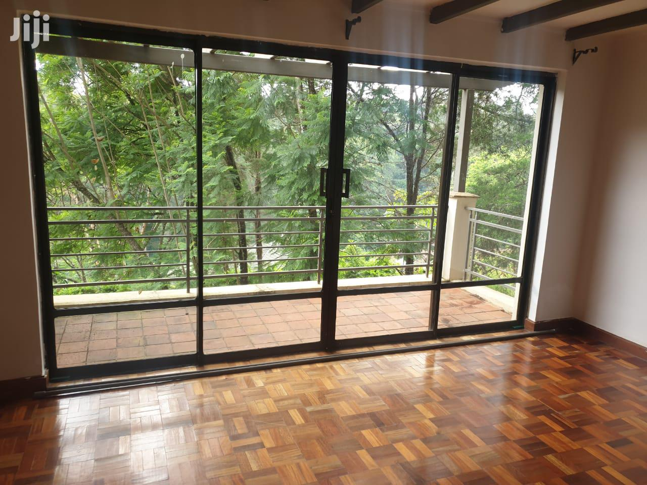 You Cant Miss This One! Kitisuru Five Bedroom Townhouse.