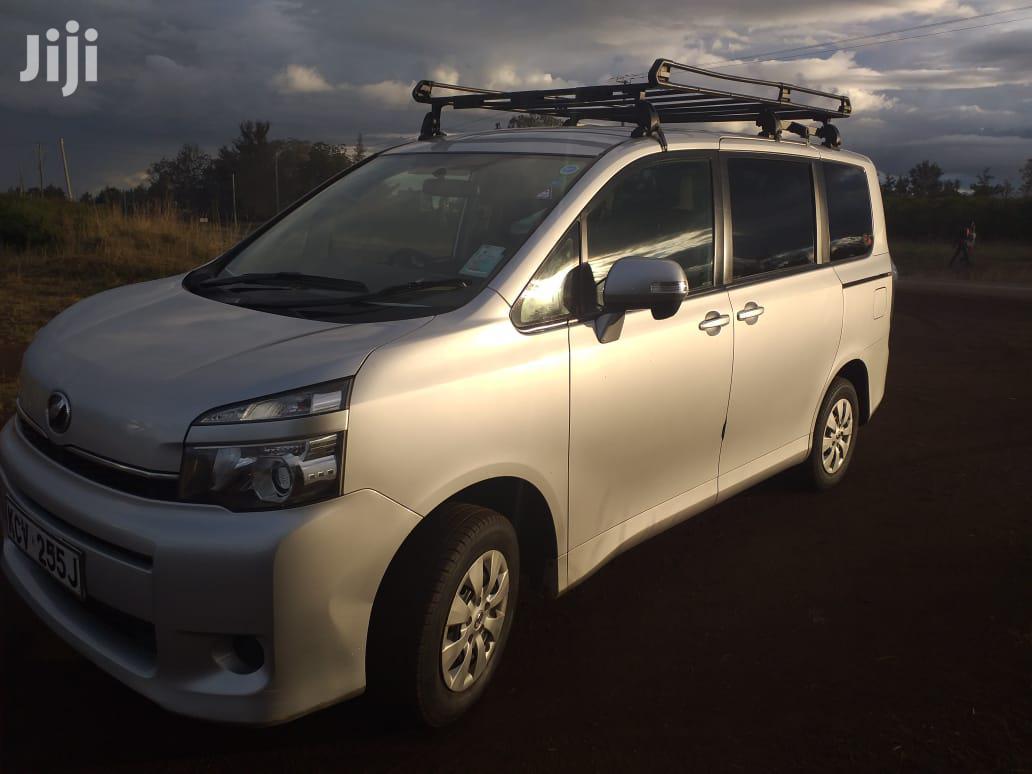 Toyota Voxy 2012 Silver