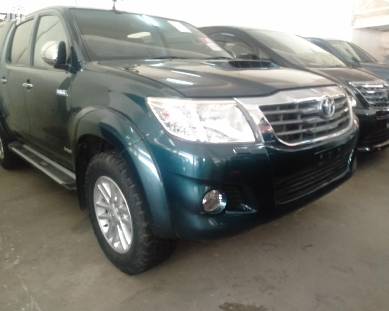 Archive: Toyota Hilux 2012 Green