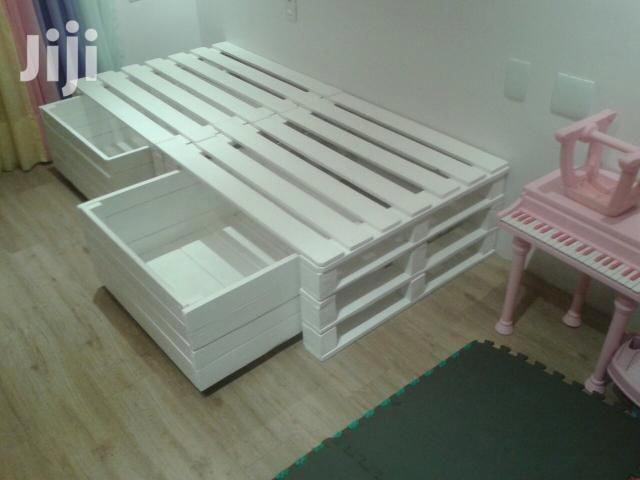 Archive: Pallet Beds