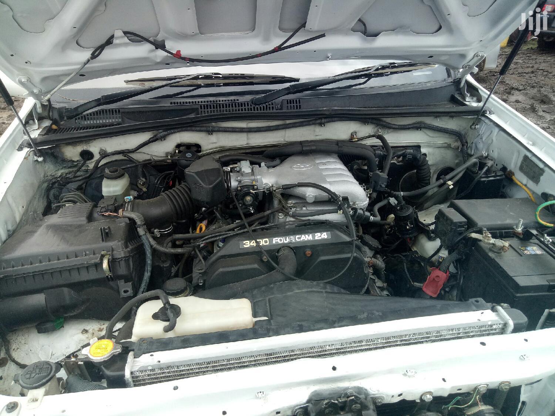 Toyota Land Cruiser Prado 2004 White