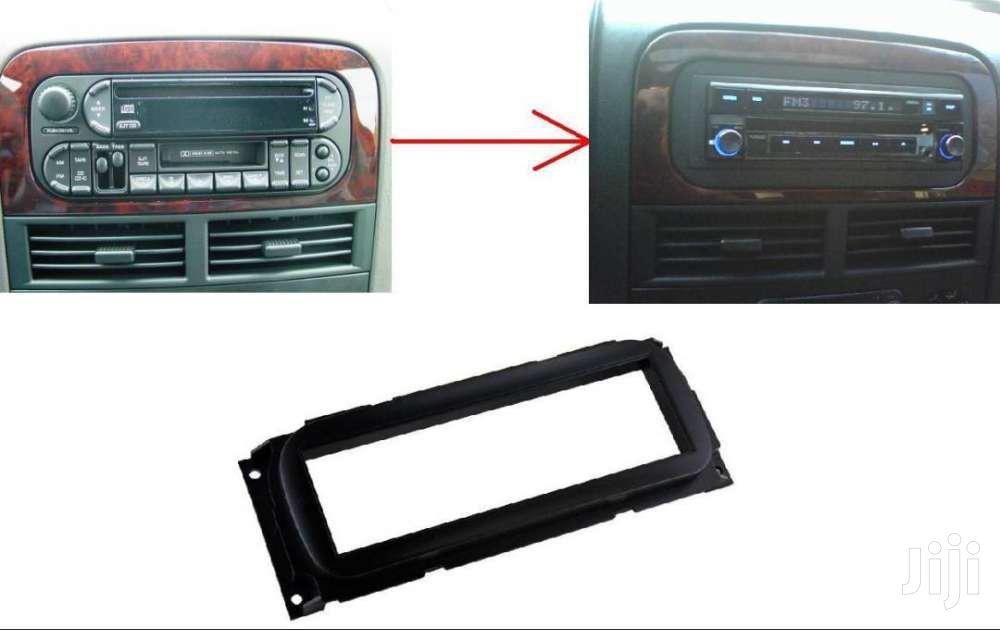 Single Din Radio Conversion Kit: Jeep Cherokee (Old Shape)