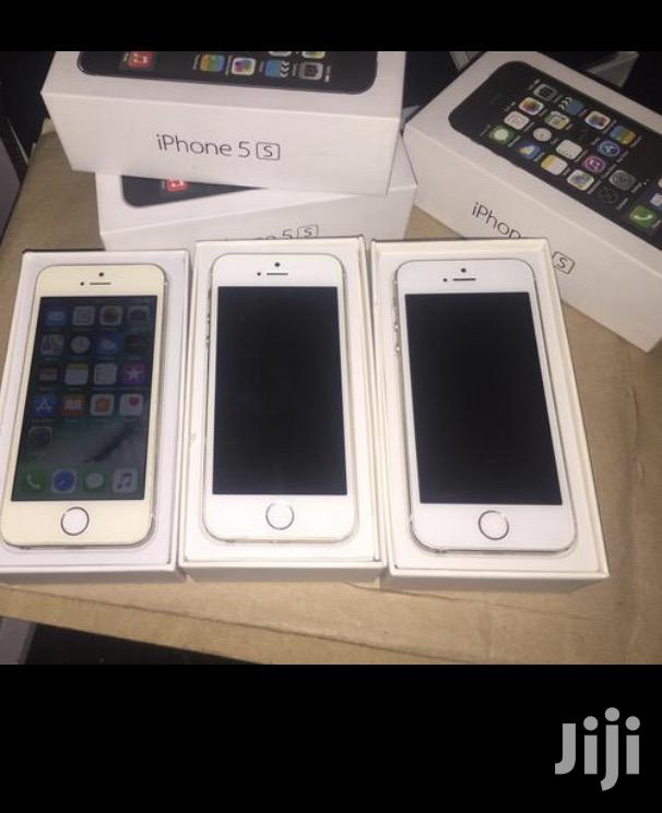 Archive: New Apple iPhone 5s 32 GB Gold