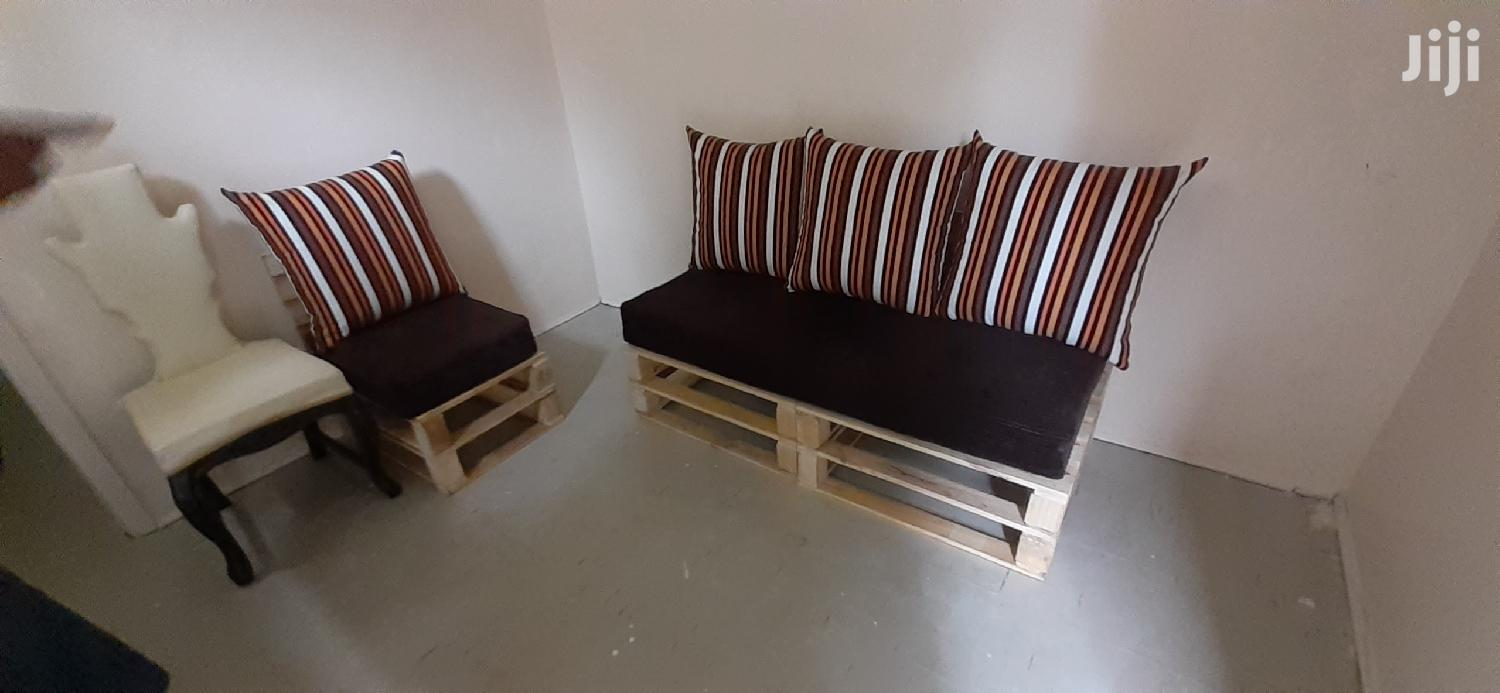 4 Seater Pallet Sofa/Pallet Furniture/Pallet Seats