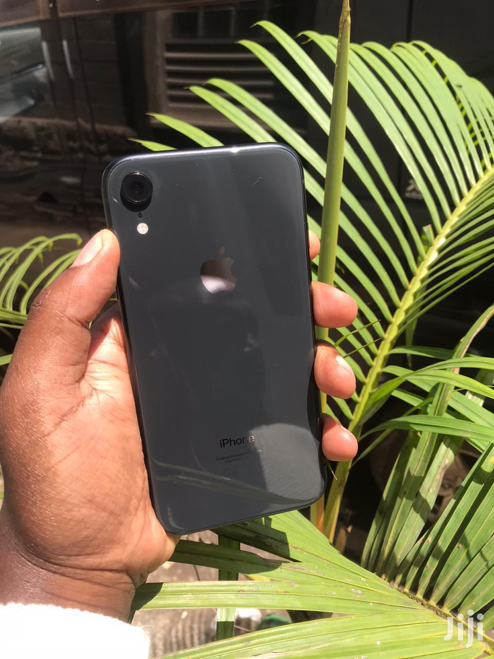 Archive: Apple iPhone XR 64 GB Black