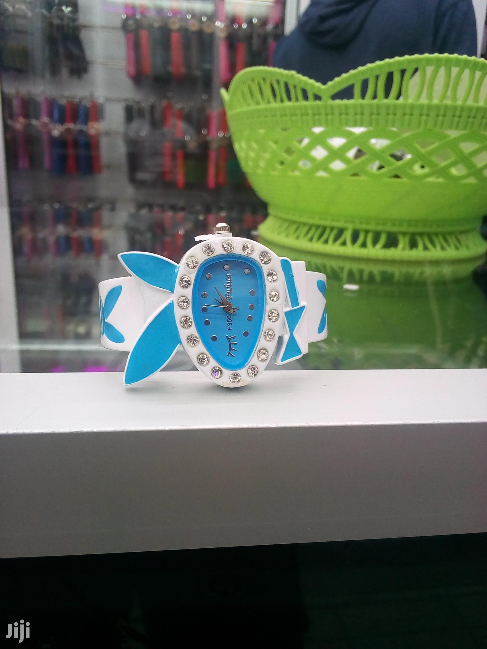 Classic Design Women Metal Strap Bracelet Quartz Wrist Watch | Jewelry for sale in Nairobi Central, Nairobi, Kenya