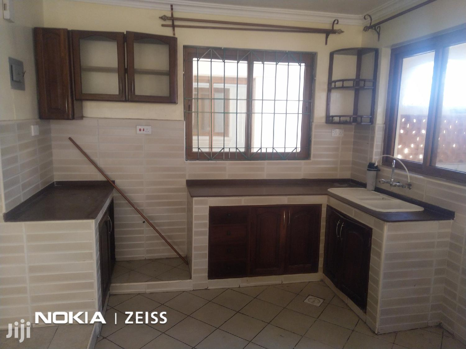 Nyali to Let:2br,1ensuite Modern Flat Short Distance to Bch | Houses & Apartments For Rent for sale in Nyali, Mombasa, Kenya