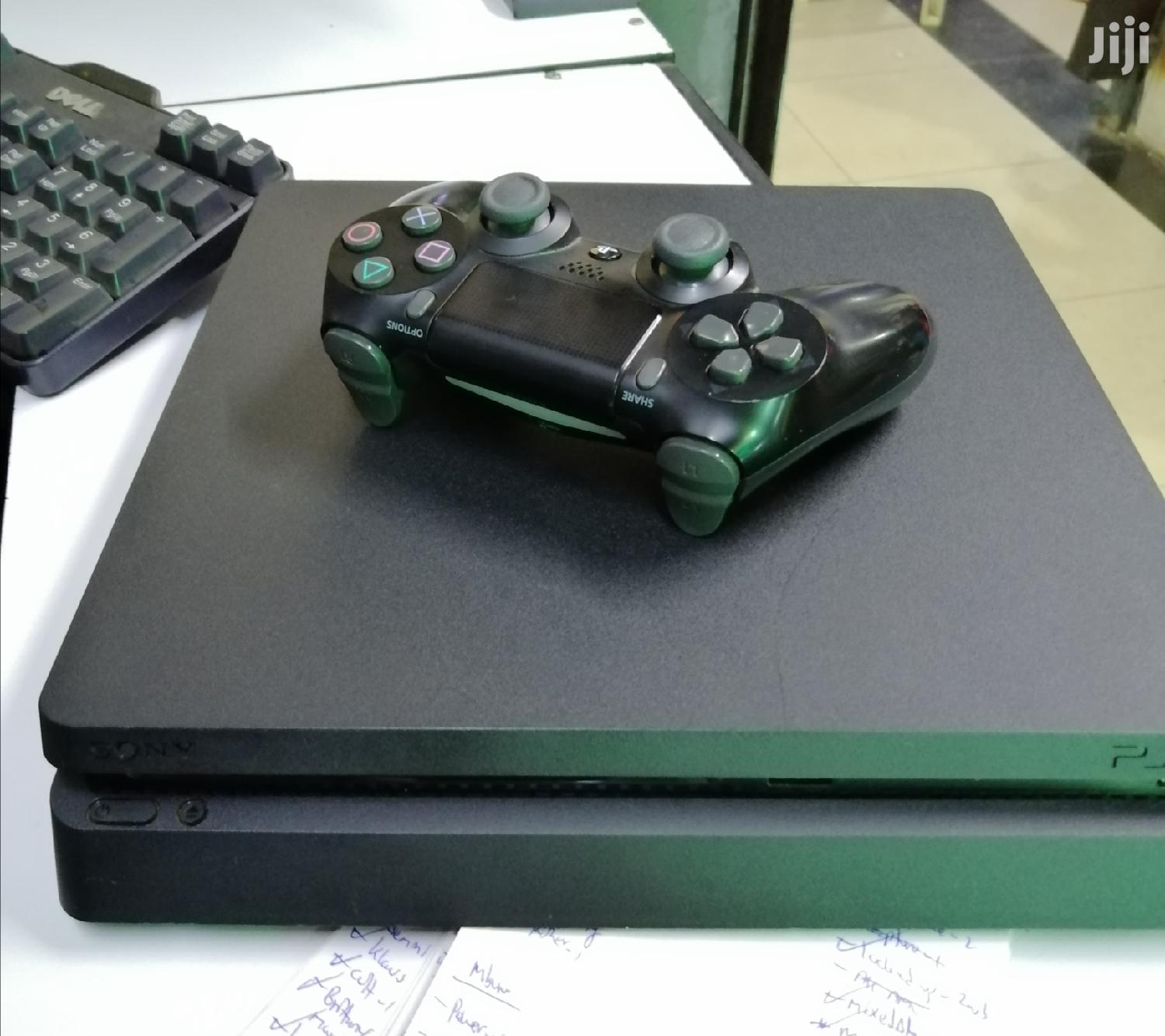 Archive: Playstation 4 Slim Almost New