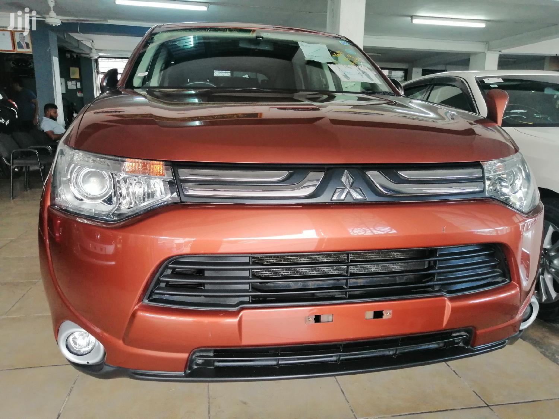Mitsubishi Outlander 2013 Orange