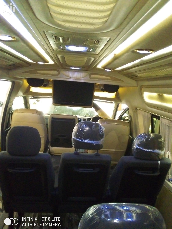 Archive: Toyota HiAce 2013 Silver