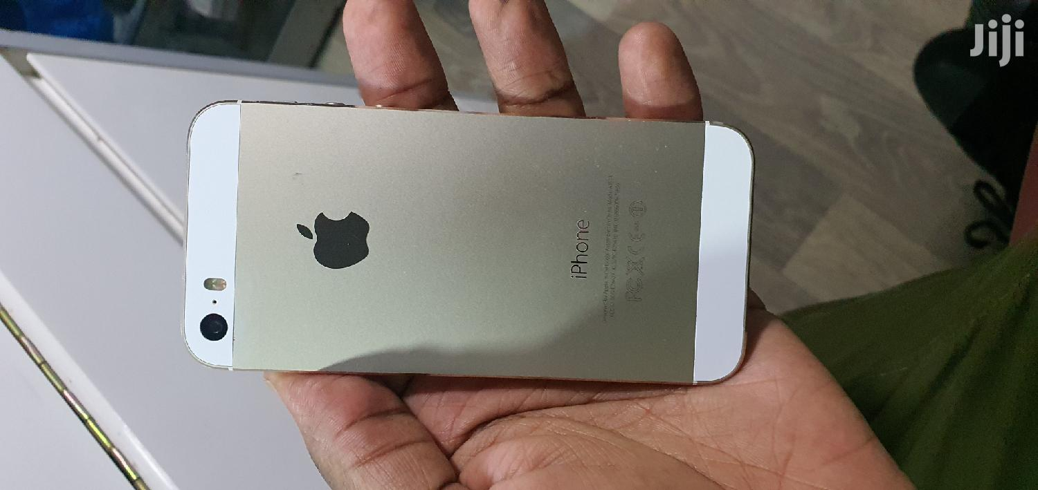 Archive: Apple iPhone 5s 32 GB Gold