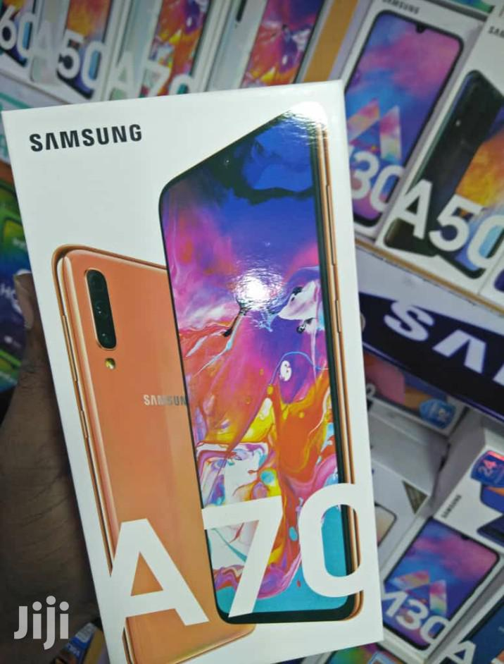 New Samsung Galaxy A70 128 GB Black