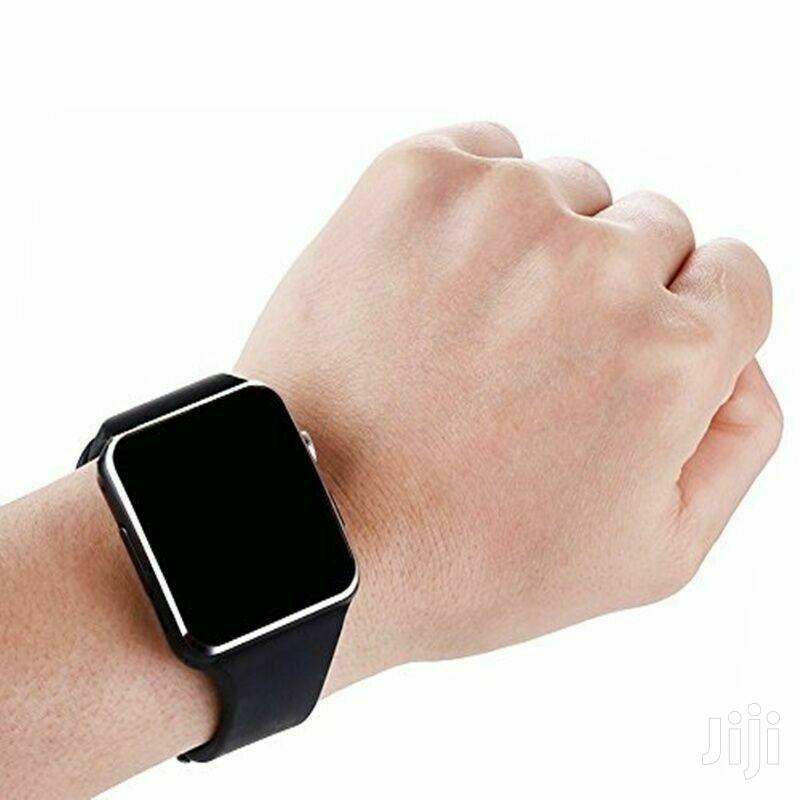 Archive: Luxus Smartwatch X6 Bluetooth