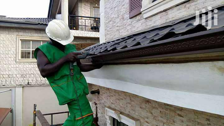 Best Gutter Repair Services /Gutter Cleaning /Maintenance Specialists
