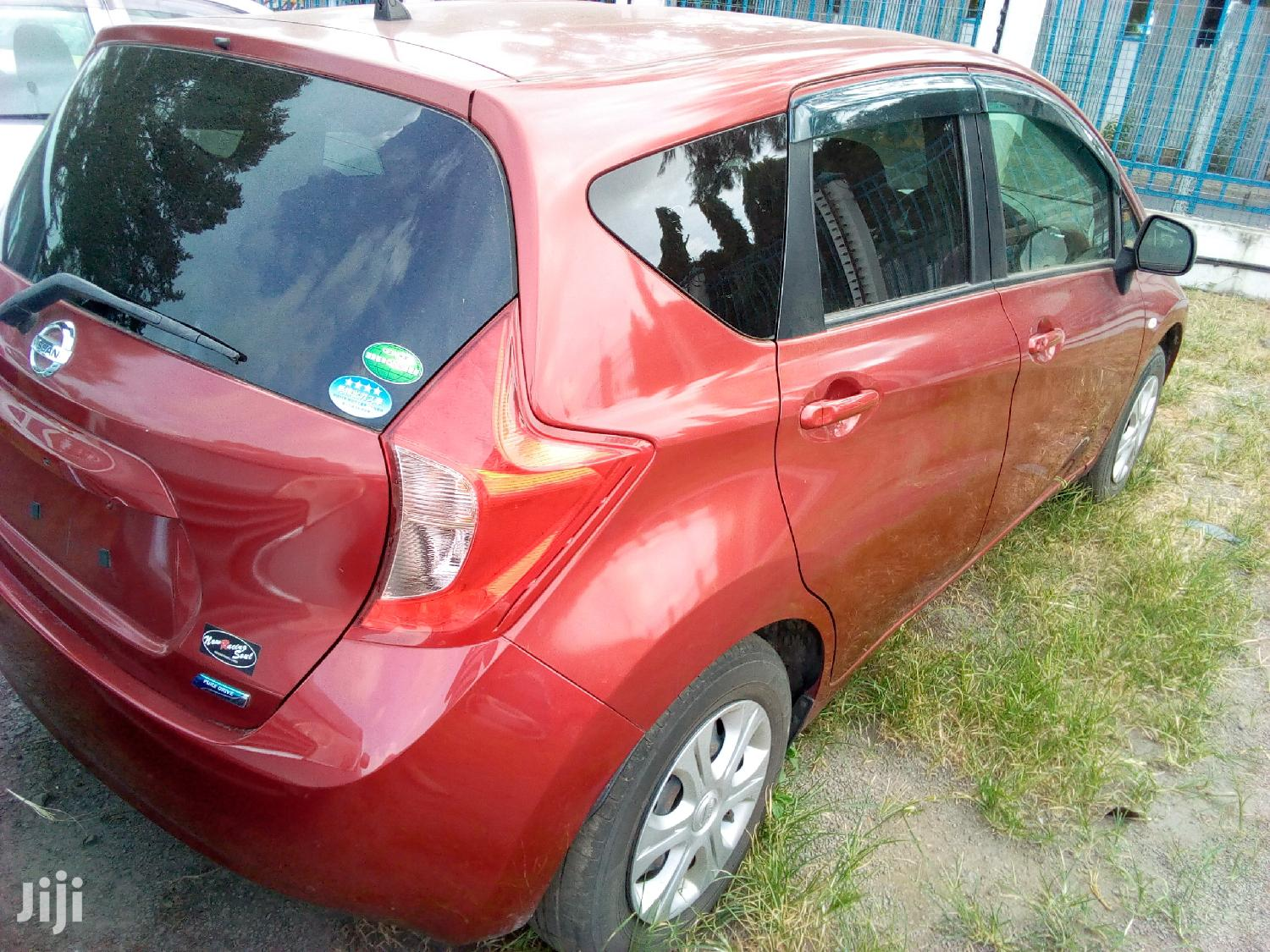 Nissan Note 2012 1.4 Red