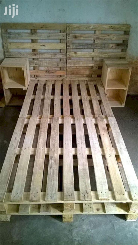 Pallet Furniture/Pallet Beds/Pallets