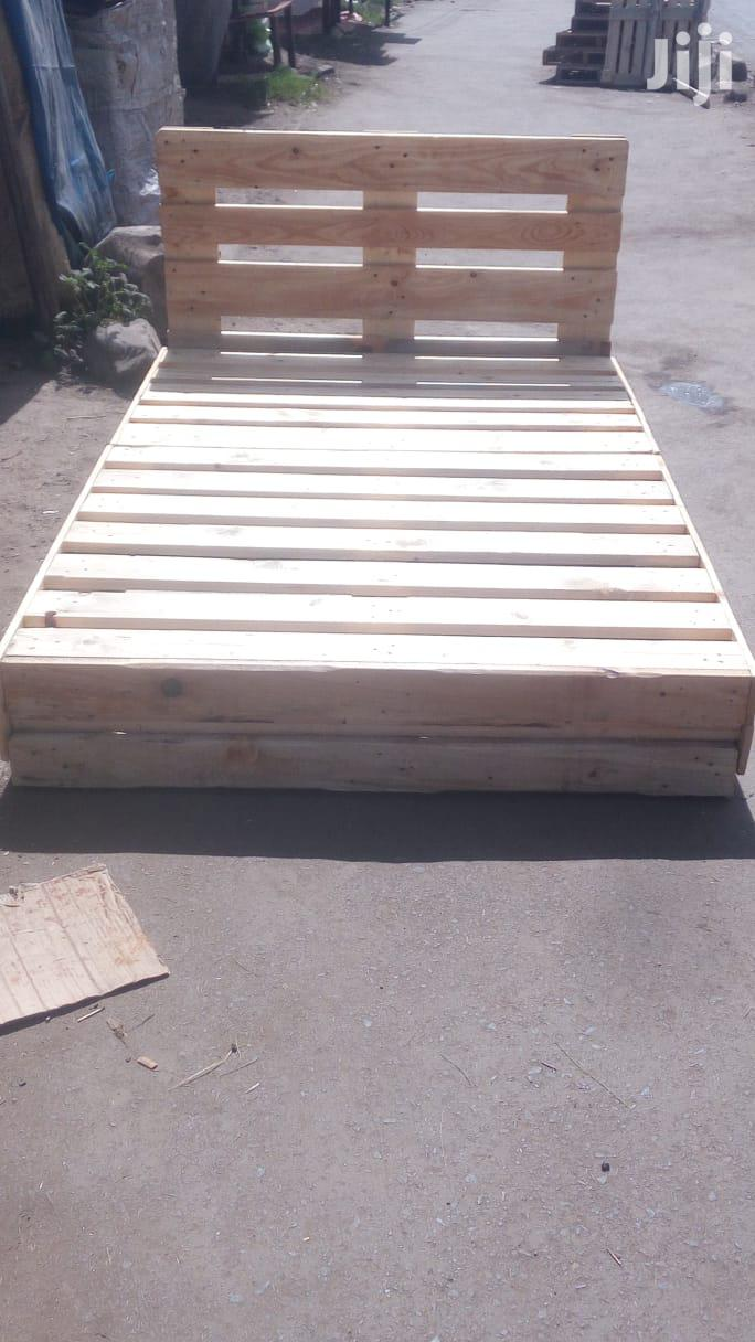 Archive: Pallet Bed