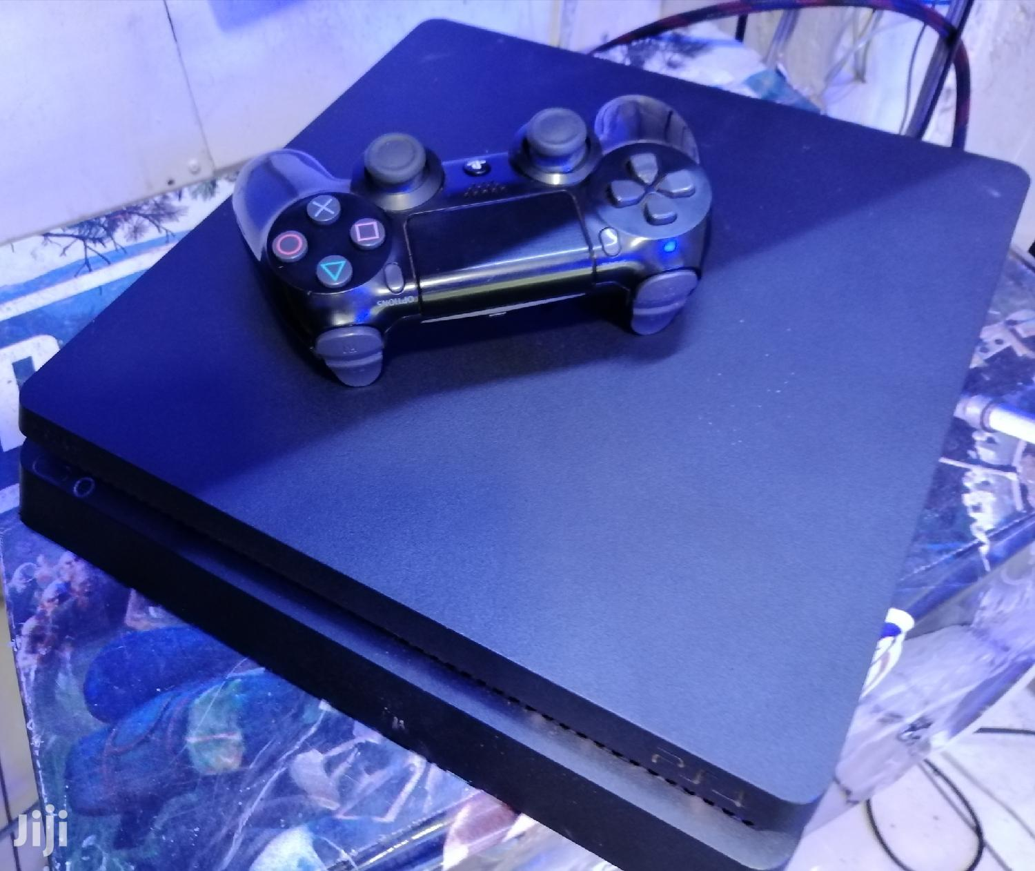 Almost New Playstation 4 Slim