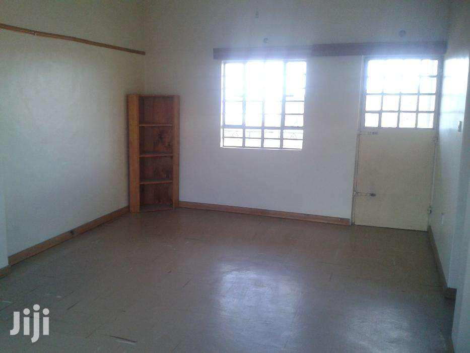 Spacious Two Bedroom Next to Road