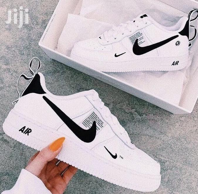 New Nike Utility Air Force Size 36-40