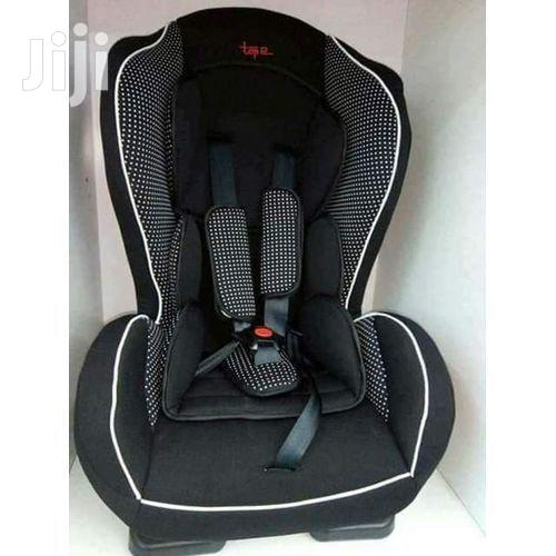 Portable Baby Car Seat - For 0-30kgs( Black With White Polka Dots)