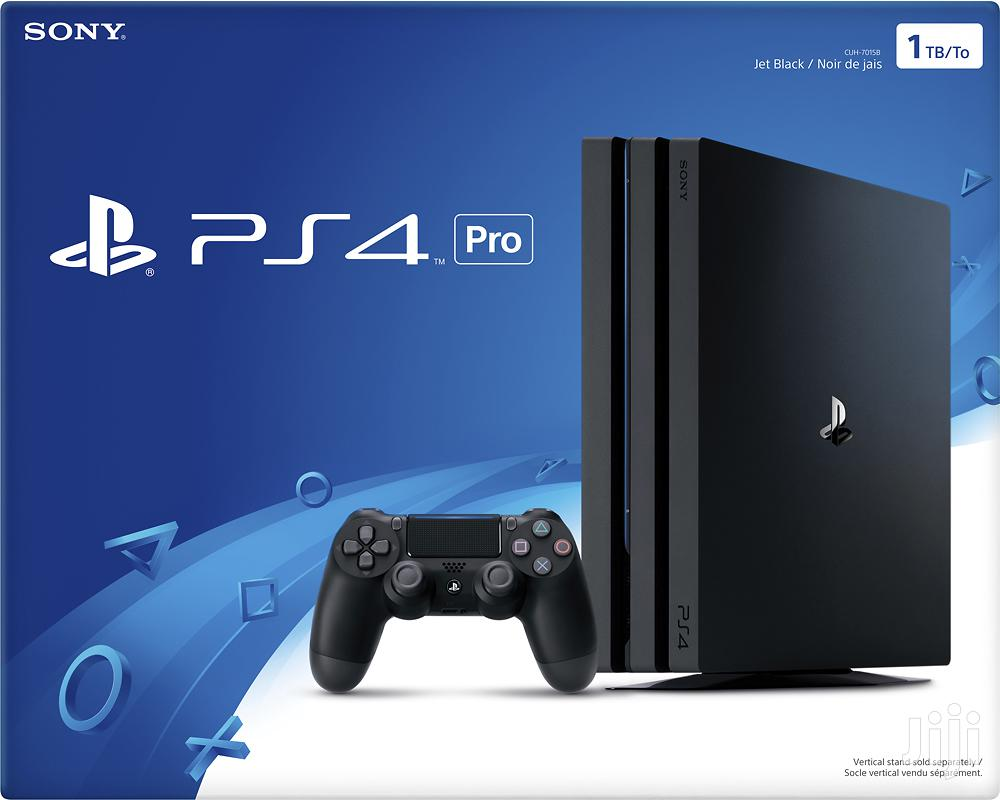 Playstation 4 Console Plus Pad