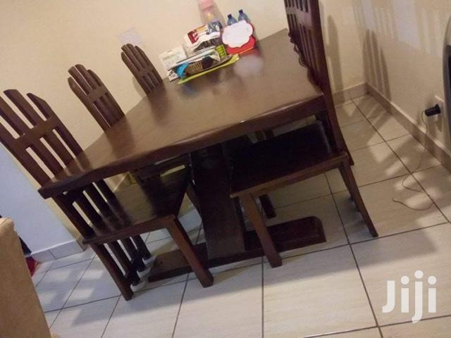 Archive: Dining Table Set