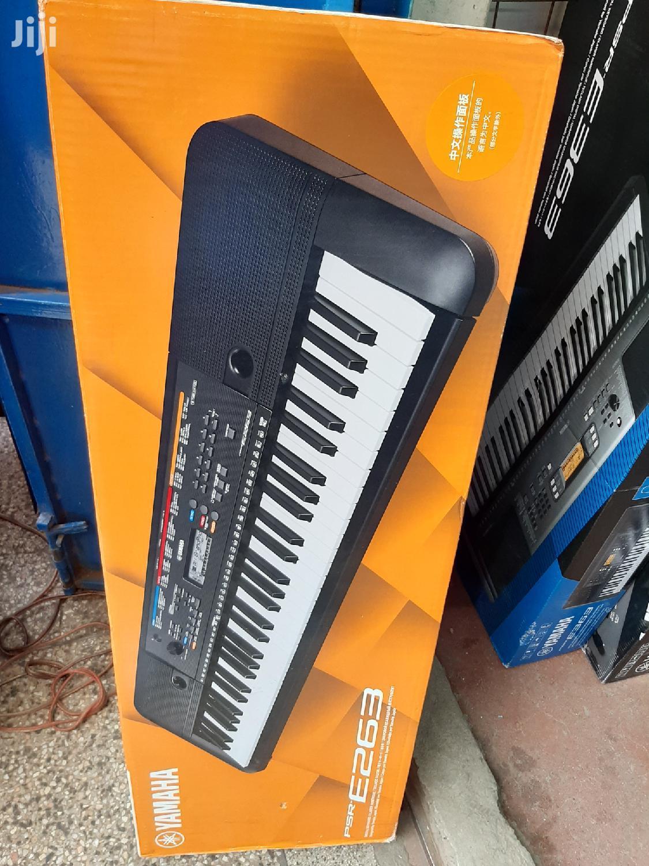 PSR 263 Yamaha Keyboard