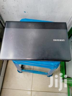 Laptop Samsung NP300E5C 4GB Intel Core I3 HDD 320GB