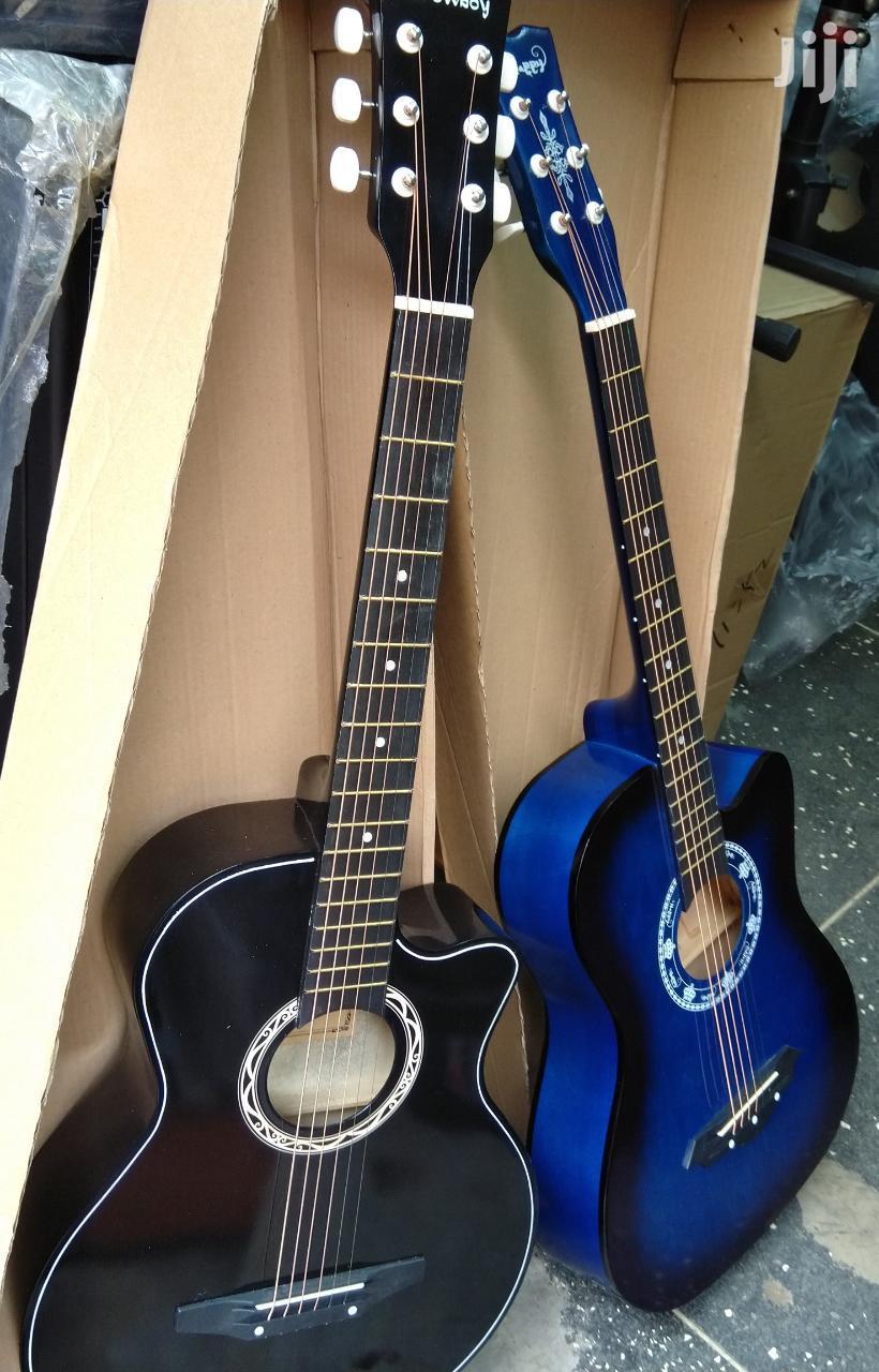 Archive: Box Acoustic Guitar Size 38