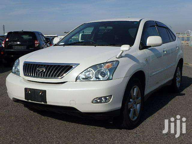 Archive: Toyota Harrier 2012 White