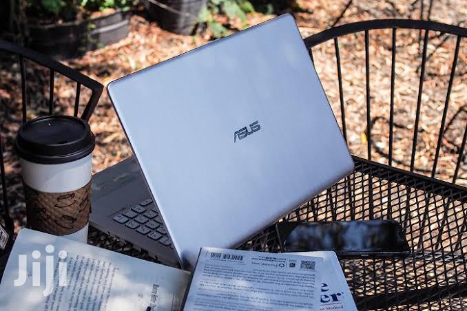 New Laptop Asus K50IJ 8GB Intel Core i7 SSD 256GB