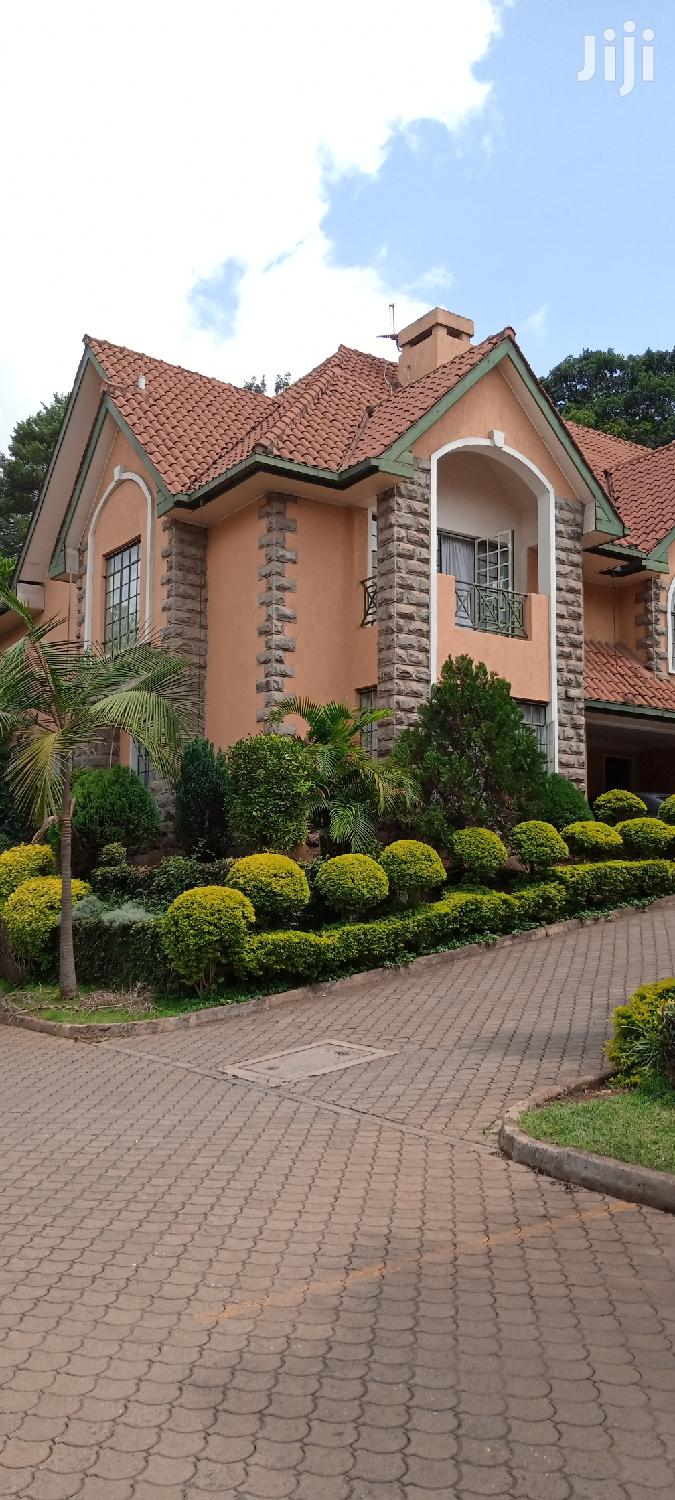 5 BED VILLA With Swimming Pool In Lavington For Sale