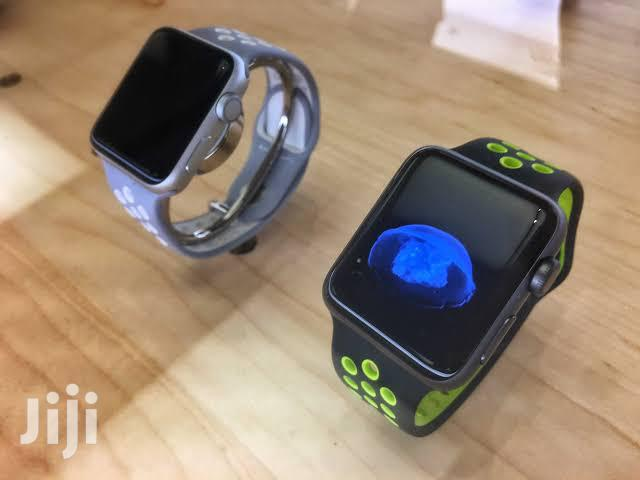 Archive: Brand New Sealed Apple Watch Series 5 40mm