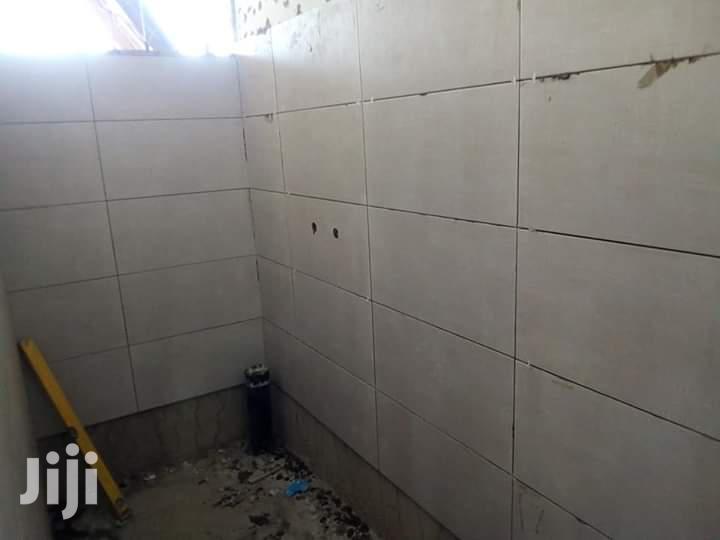 Tiles Fixing Expert And Paquet Fixing