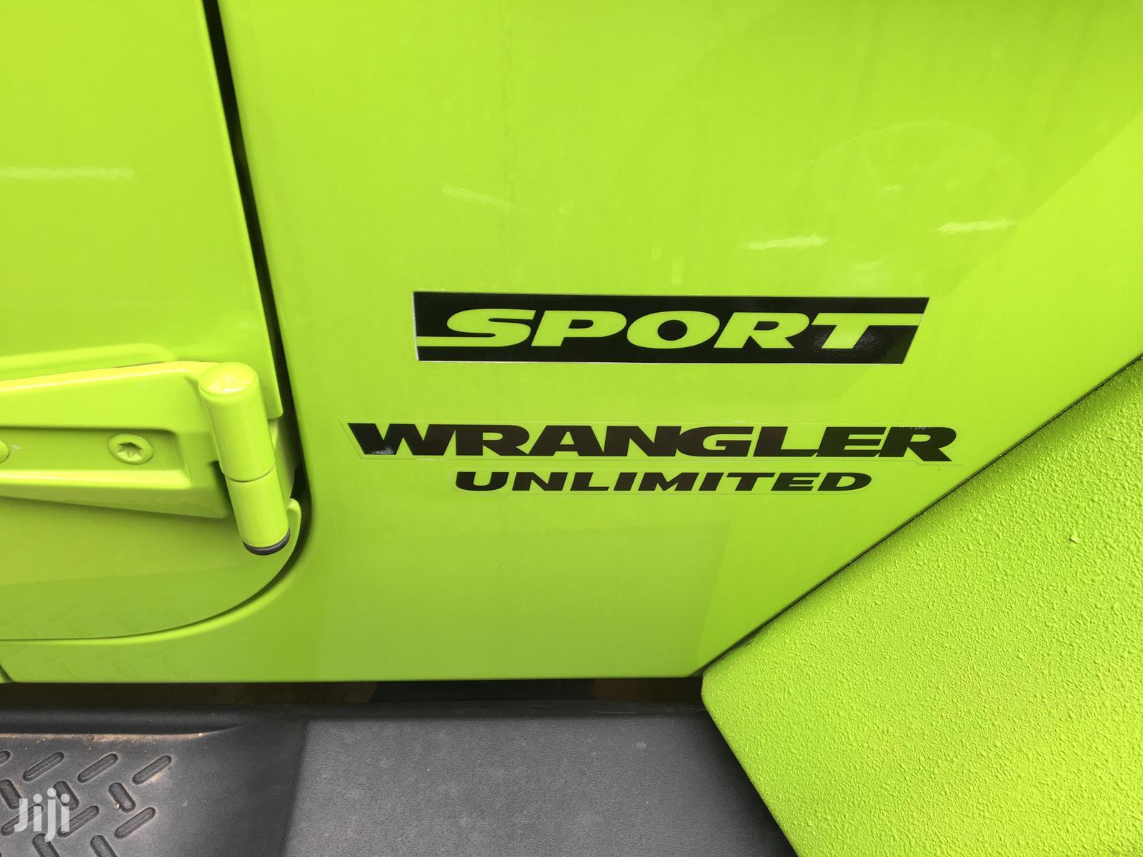Archive: Jeep Wrangler 2013 Sport S Green