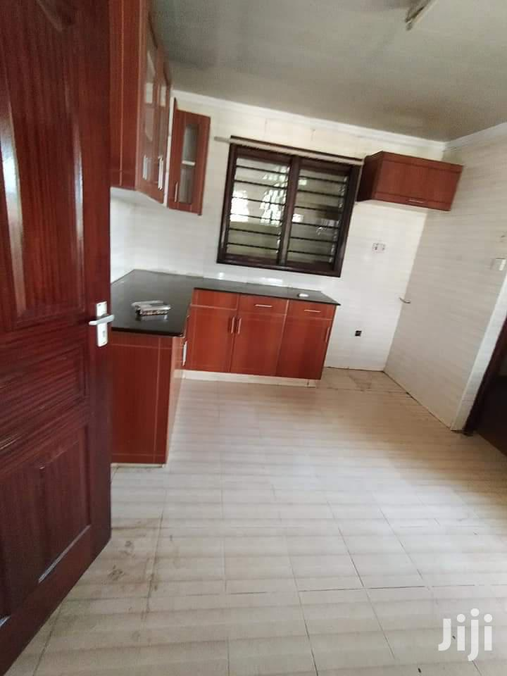 Archive: To Let 3bdrm With Dsq at Kilimani Nairobi Kenya