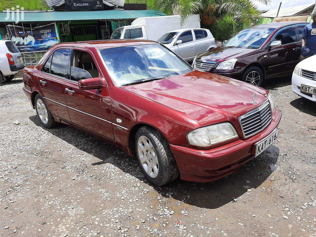 Mercedes-Benz C200 1999 Red