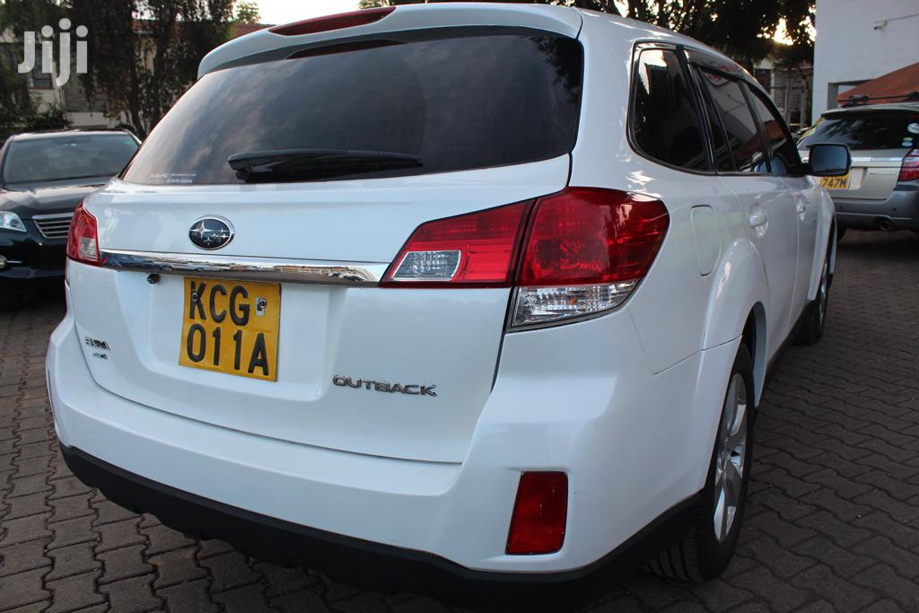 Archive: Subaru Outback 2010 2.5i Premium White